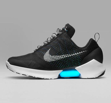 832afa1ebf9 나이키의 자동 끈 조절 기능을 갖춘 신발 '하이퍼어댑트 1.0' (이미지=나이키) 자동으로 끈이 조절되는 신발에 대한 아이디어는  1989년 작 SF 영화 '백투더퓨처2'에서 ...