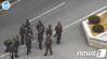 Ak 소총 든 북한군 추격조
