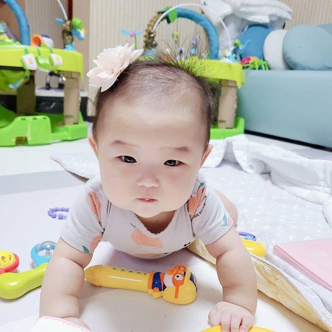스타들의 가족 모습 포착 | `최민환♥` 율희 딸 아윤·아린 ...