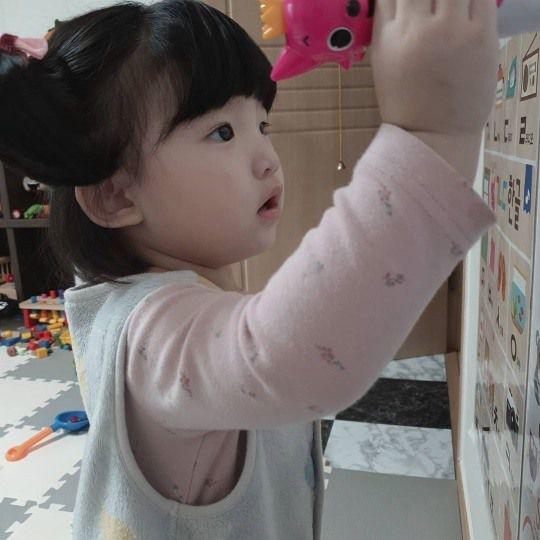 스타들의 가족 모습 포착 | `서프라이즈` 박재현, 딸 심장 수술 ...